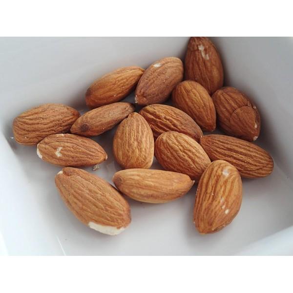 Сурови бадеми 100 гр.